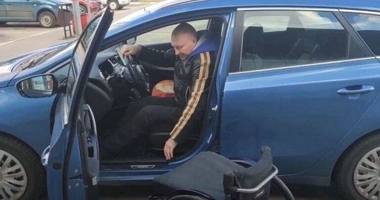 Могилёвские школьники сняли видеоролик о трудностях парковки для водителей с инвалидностью