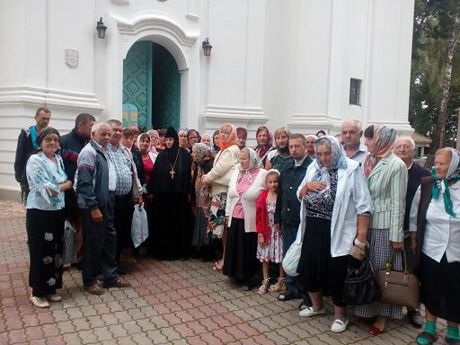В монастырь, который возрождается…